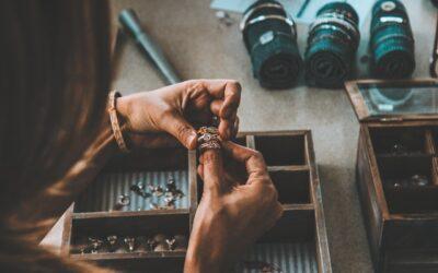 Derfor er håndlavede smykker kommet på mode